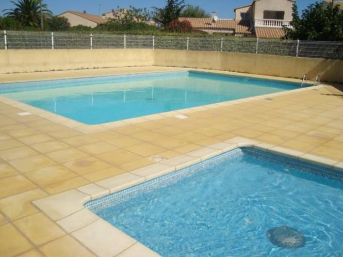 Location de vacances - Appartement à Marseillan - Piscine partagée