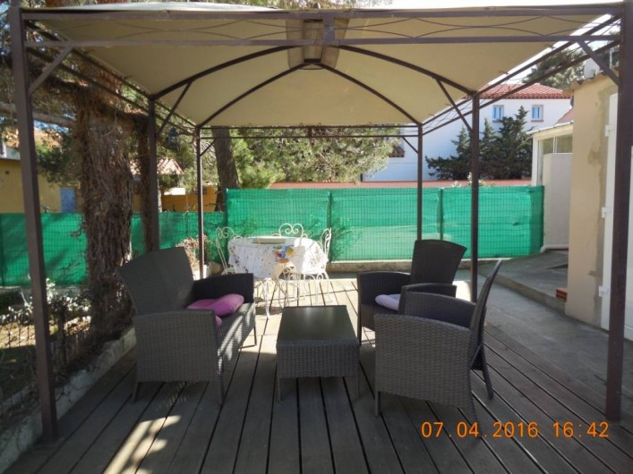 Location de vacances - Villa à Argelès Plage - possibilité de diner le soir autour d'un barbecue