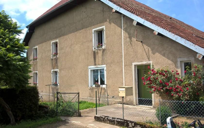 Location de vacances - Maison - Villa à Belvoir - Facade Sud