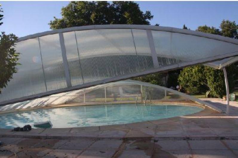 Location de vacances - Mas à Montfavet - piscine couverte mi-saison