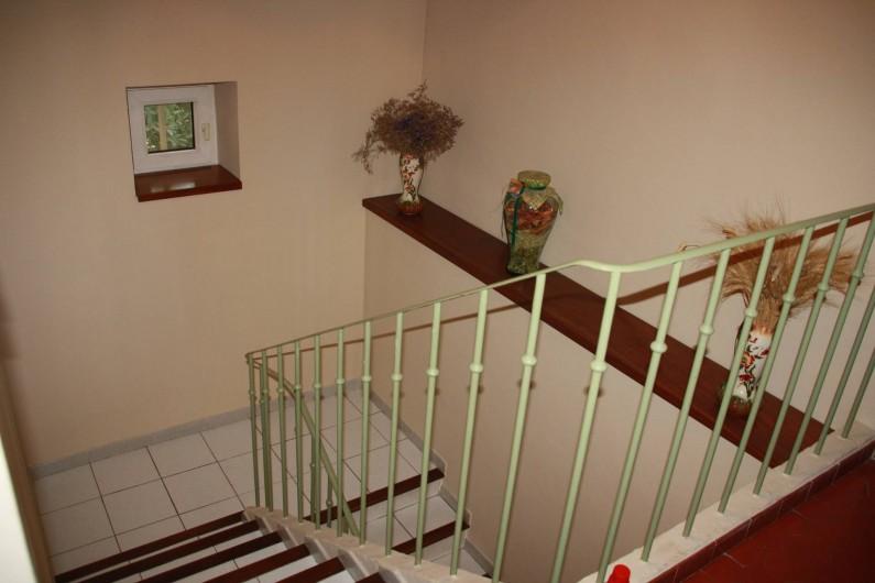Location de vacances - Mas à Montfavet - Montée d'escaliers