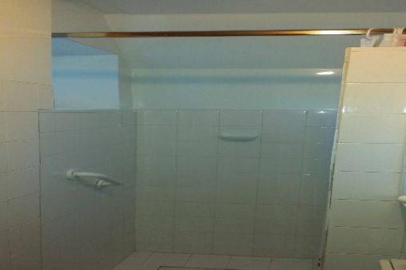 Location de vacances - Maison - Villa à Allevard - salle de bains
