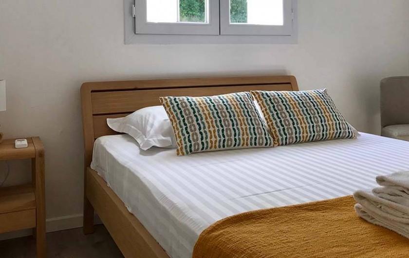 Location de vacances - Villa à Les Trois-Îlets - Chambre lit 140 avec climatisation