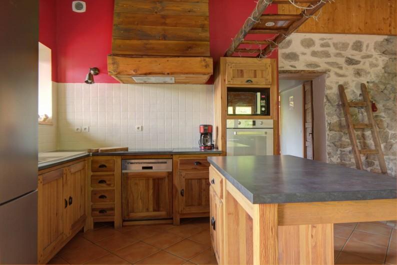 Location de vacances - Chalet à Fontcouverte-la-Toussuire - chambre claire et spacieuse