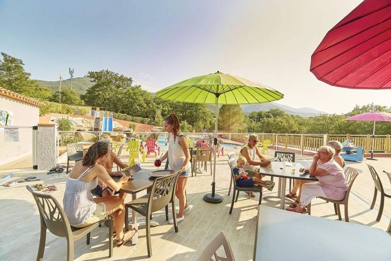 Location de vacances - Camping à Laroque-des-Albères - Terrasse brasserie