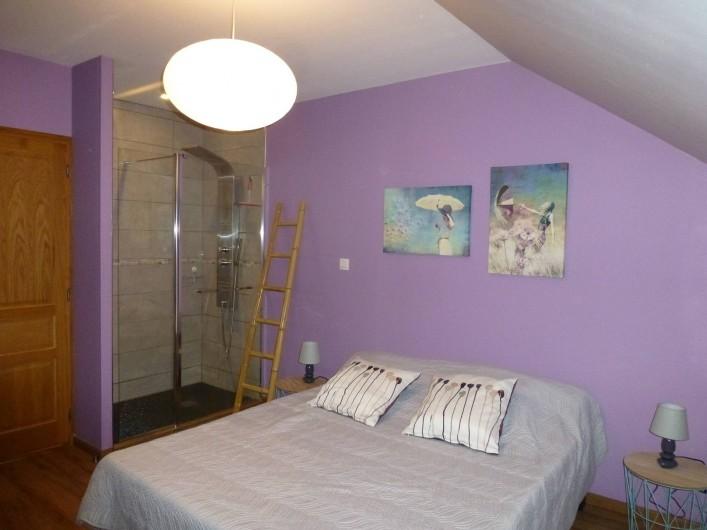 Location de vacances - Gîte à Essômes-sur-Marne - chambre (lit de 160) avec douche spacieuse