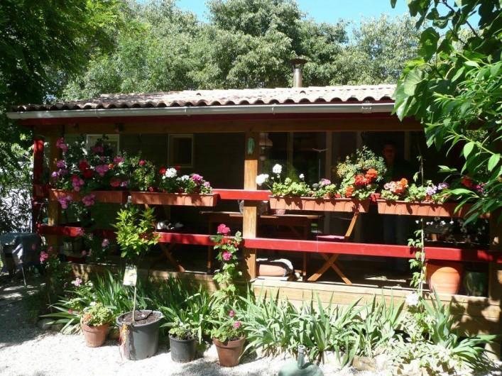 Location de vacances - Camping à Sorède - Chalet 35 m² - 2 chambres - terrasse 10 m²