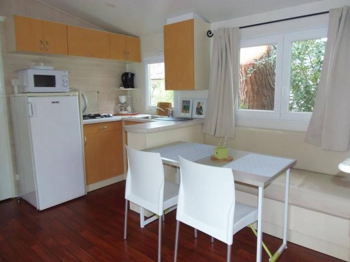 Location de vacances - Camping à Sorède - Mobil-home les Lys 30 m² - 2 chambres - terrasse 10 m²