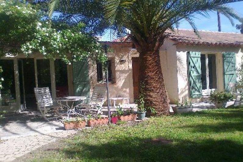 Location de vacances - Villa à Golfe-Juan - La maison est de plain pieds !