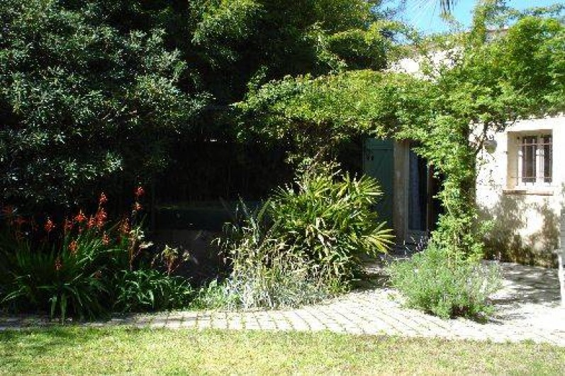 Location de vacances - Villa à Golfe-Juan - SPA à l'ombre et à l'abri des regards !!!!!