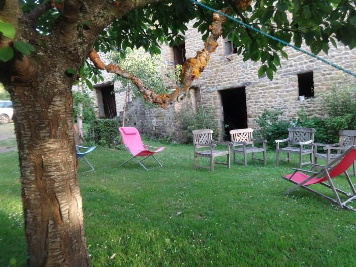 Location de vacances - Chambre d'hôtes à Clécy - Jardin accessible.