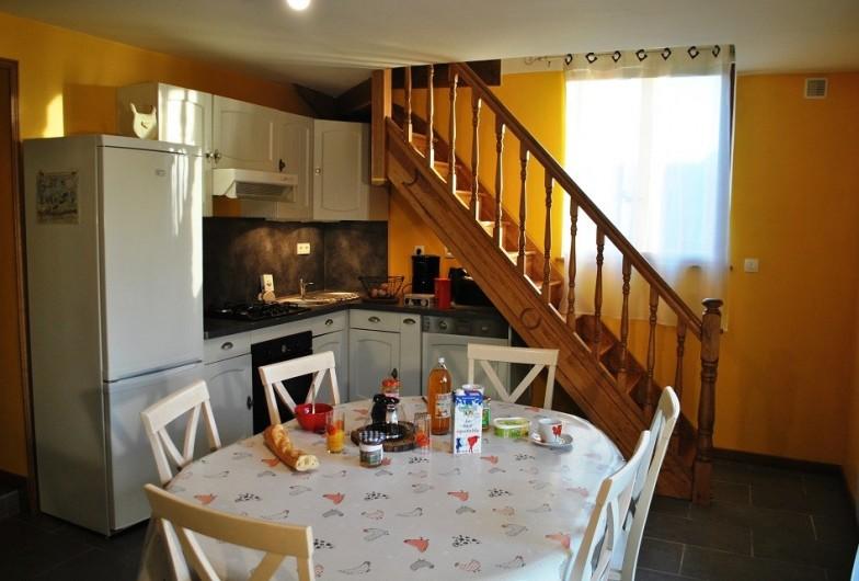Location de vacances - Gîte à Landouzy-la-ville - Séjour/cuisine
