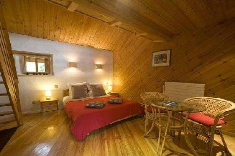 Location de vacances - Hôtel - Auberge à Névache - Chambre en rdc avec terrasse idéale pour vos compagnons à 4 pattes ...