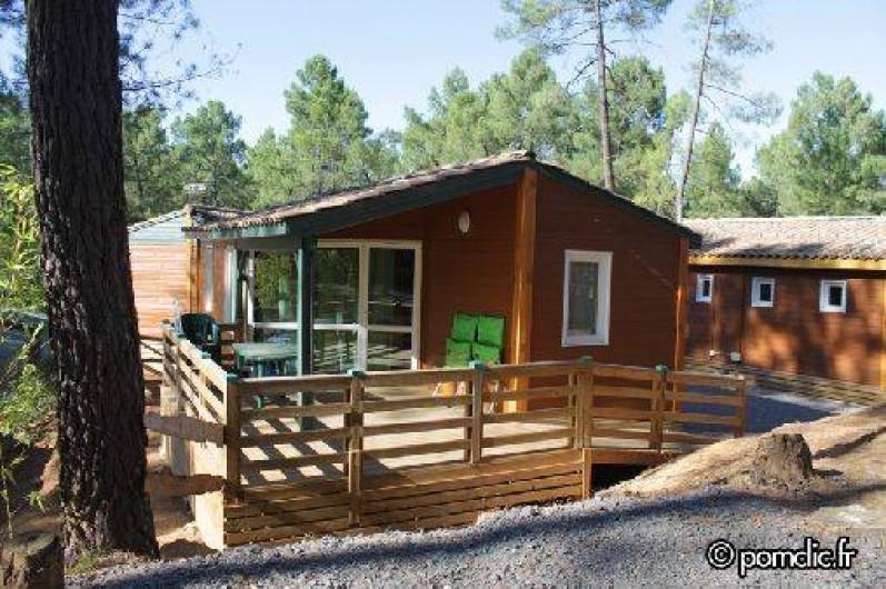 Location de vacances - Camping à Joyeuse - Chalet Fougère