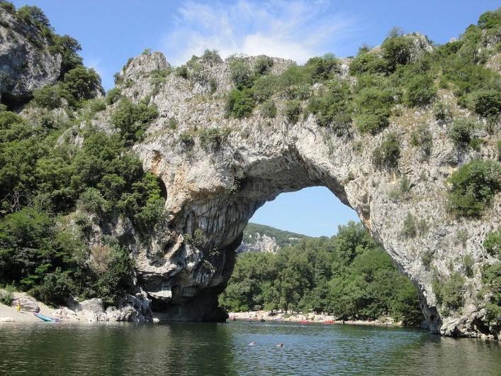Location de vacances - Camping à Joyeuse - Le Pont d'Arc