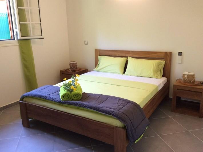 """Location de vacances - Maison - Villa à Le Gosier - Chambre 2 - Villa """"Cool"""""""