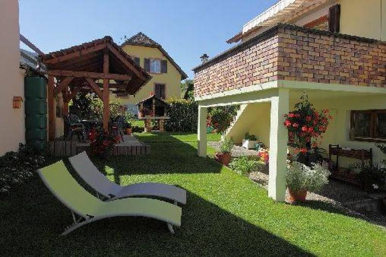 Location de vacances - Gîte à Maisonsgoutte - Espace vert aménagé et clos