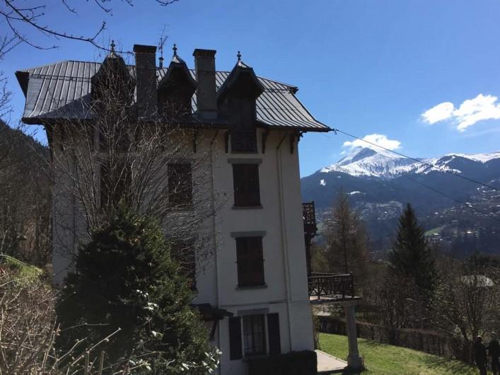 Location de vacances - Appartement à Saint-Gervais-les-Bains - Chalet vue de coté