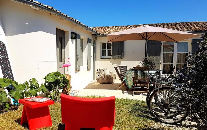 Location de vacances - Maison - Villa à Saint-Clément-des-Baleines - cour interieure villa Re privative de 6/8 personnes