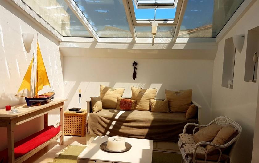 Location de vacances - Maison - Villa à Saint-Clément-des-Baleines - salon verrière villa re privative 6/8 personnes