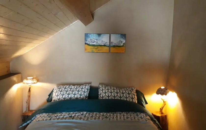Location de vacances - Gîte à Mettet - Lit double, matelas confortable.
