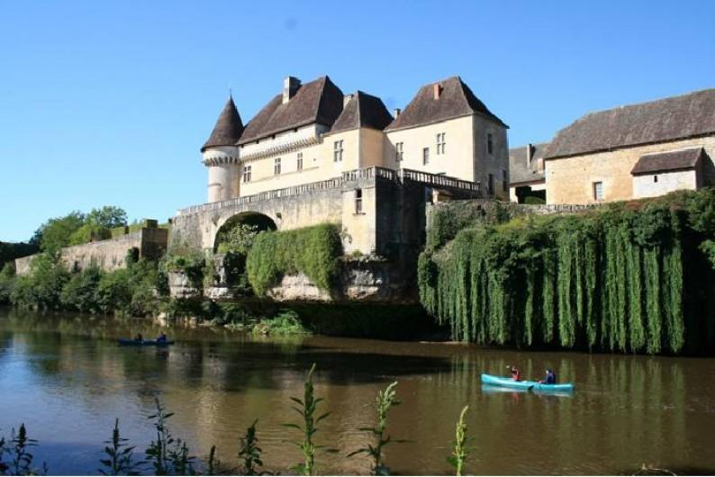 Location de vacances - Gîte à Turenne - Balade en canoë dans la vallée de la Vézére