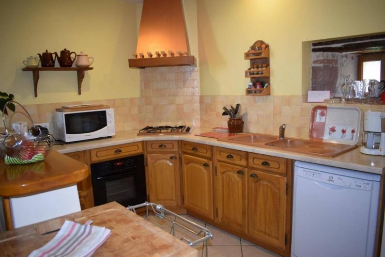 Location de vacances - Gîte à Turenne - la cuisine ouverte