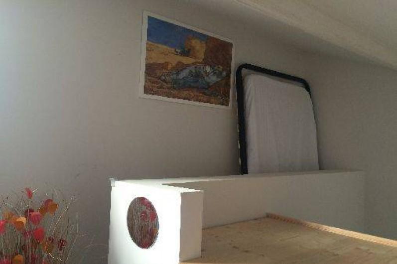 Location de vacances - Appartement à L'Isle-sur-la-Sorgue - Petite chambre au dernier étage (lit d'appoint possible pour 4ème personne )