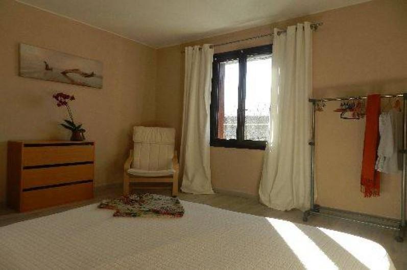 Location de vacances - Appartement à L'Isle-sur-la-Sorgue - Chambre principale