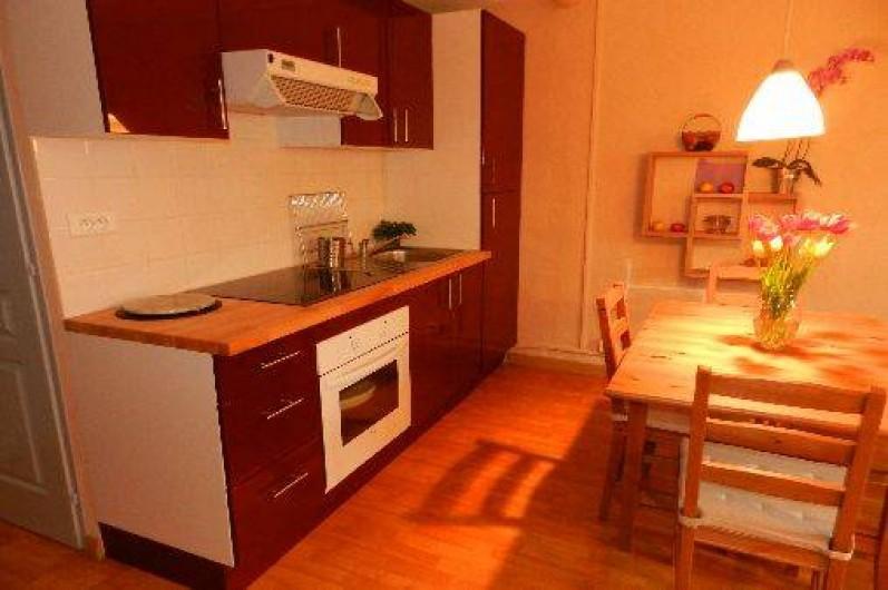 Location de vacances - Appartement à L'Isle-sur-la-Sorgue - Cuisine Séjour