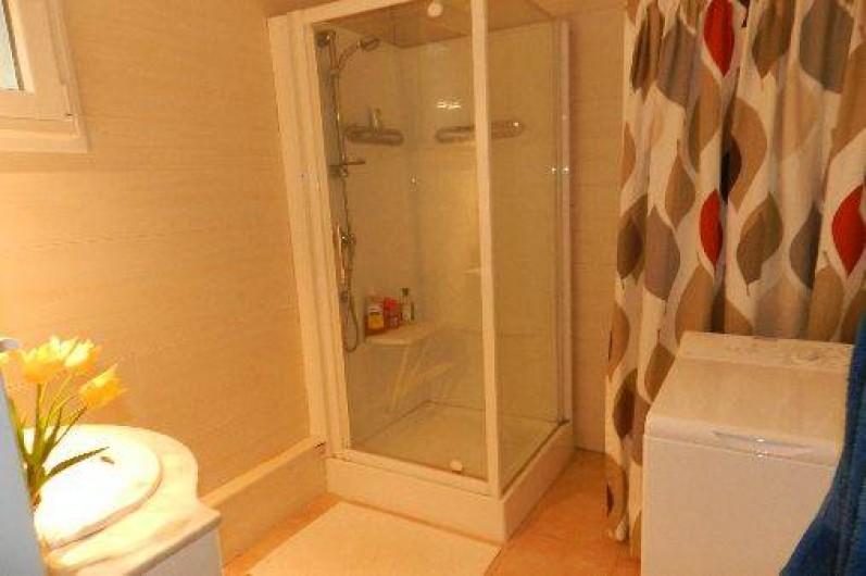 Location de vacances - Appartement à L'Isle-sur-la-Sorgue - Salle d'eau