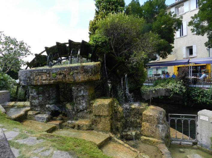 Location de vacances - Appartement à L'Isle-sur-la-Sorgue - A quelques pas