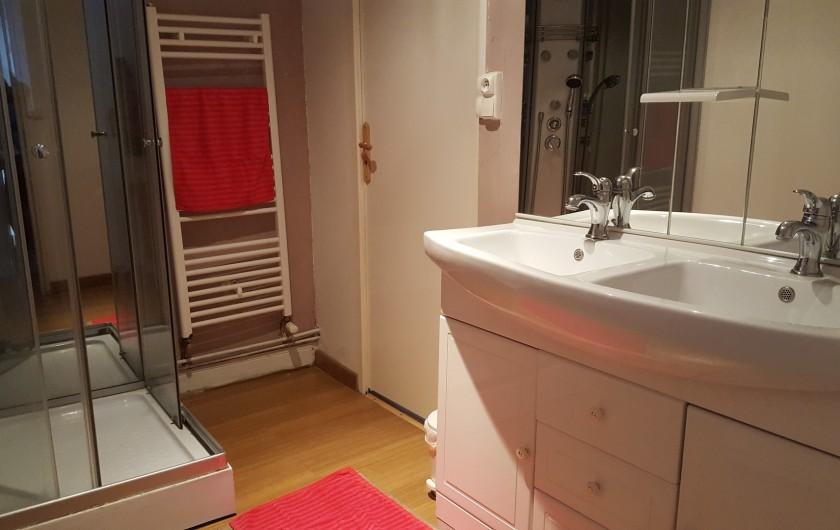 Location de vacances - Gîte à Bordères-sur-l'Échez - Salle de bain et WC indépendants de la chambre n°1 et 2