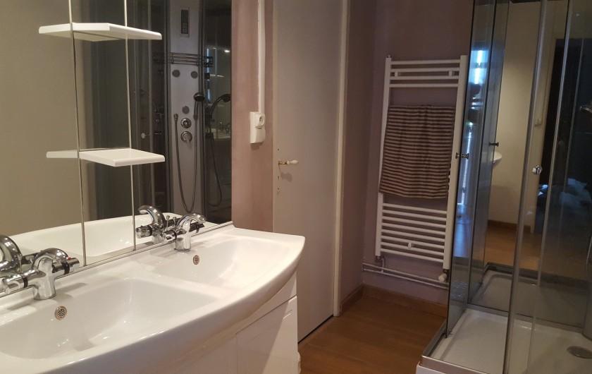 Location de vacances - Gîte à Bordères-sur-l'Échez - Salle de bain et WC indépendants de la chambre n°3 et 4