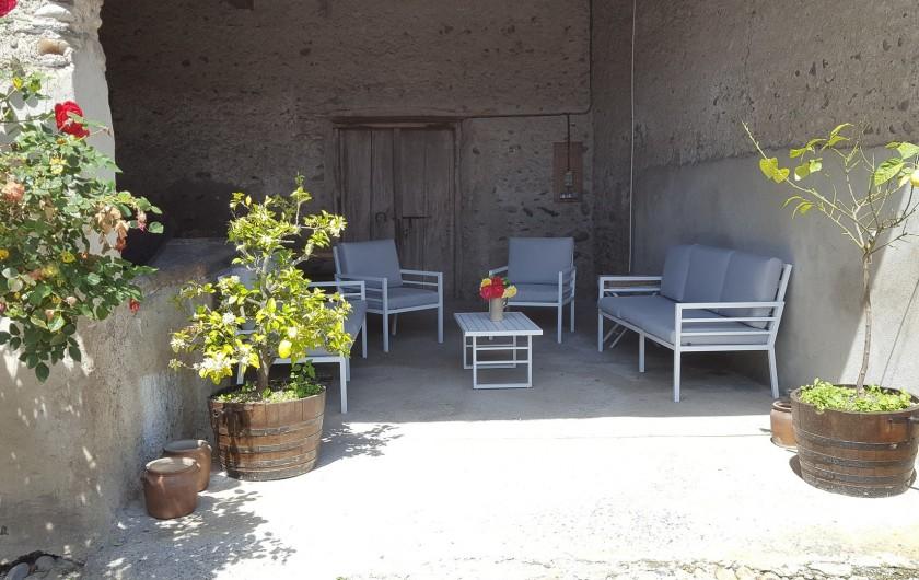 Location de vacances - Gîte à Bordères-sur-l'Échez - Cour extérieure abritée