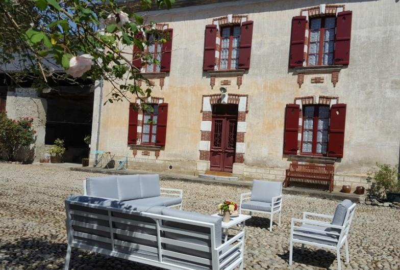 Location de vacances - Gîte à Bordères-sur-l'Échez - La cour en galet
