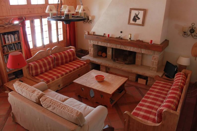 Location de vacances - Chalet à La Comballaz - sejour avec cheminee