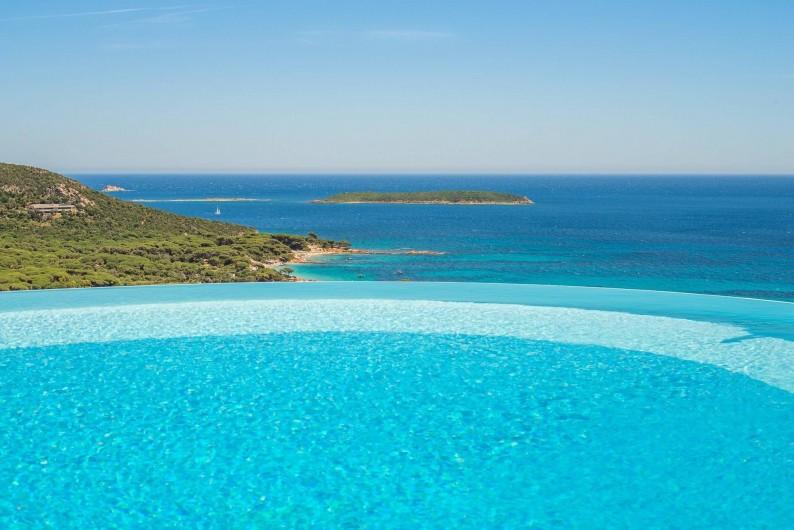 Location de vacances - Maison - Villa à Porto-Vecchio - Piscine à débordement (chauffée dés avril)