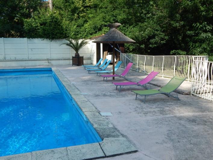 Location de vacances - Camping à Saint-Rambert-d'Albon - PISCINE