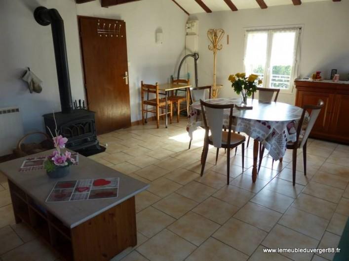 Location de vacances - Gîte à Ramonchamp - La pièce à vivre