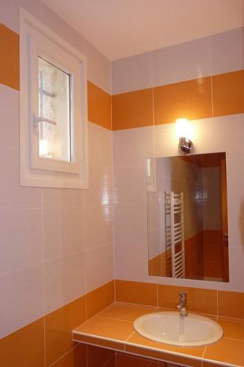 Location de vacances - Appartement à Entrevaux - salle d'eau