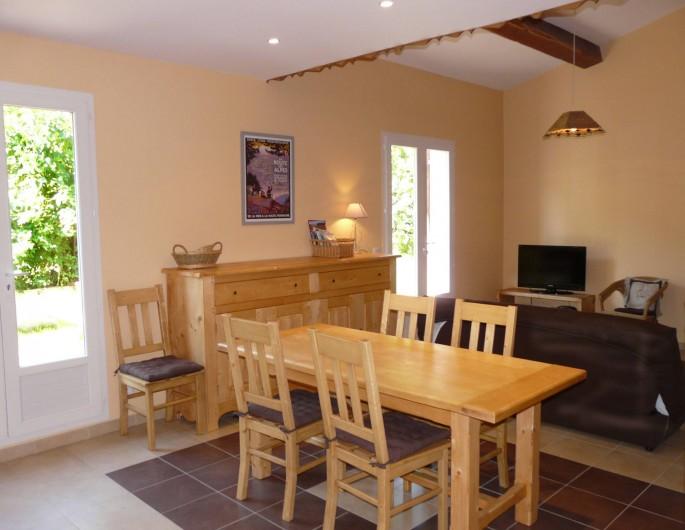 Location de vacances - Appartement à Entrevaux - salle manger