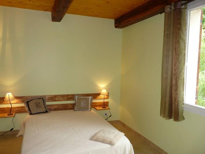 Location de vacances - Appartement à Entrevaux - chambre 1