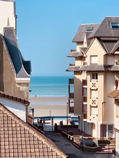 Location de vacances - Appartement à Wimereux - Vue de la Mer de la terrasse à 50 mètre de l'appartement