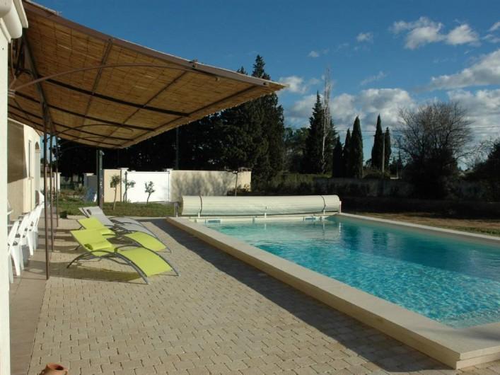 Location de vacances - Villa à Arles - Piscine Terrasse