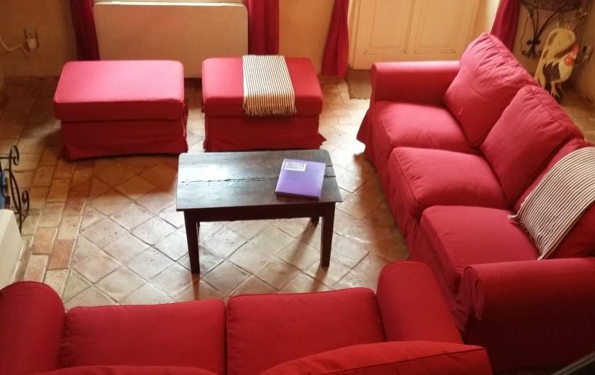 Location de vacances - Mas à Saint-Restitut - Un espace confortable devant la cheminée