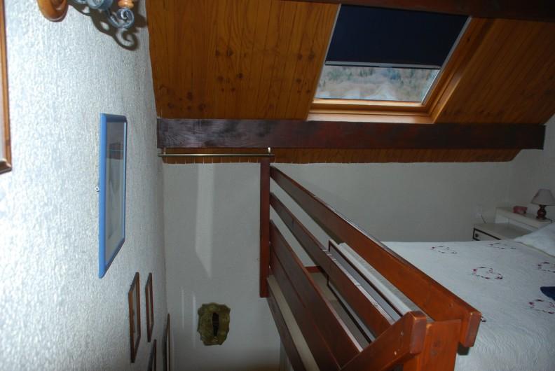 Location de vacances - Appartement à Cauterets - Montée vers l'étage
