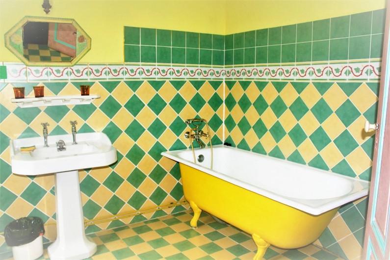 Location de vacances - Château - Manoir à Burzet - Salle de bain Aurore