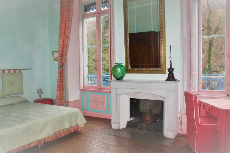 Location de vacances - Château - Manoir à Burzet - Chambre Aurore 4 pers