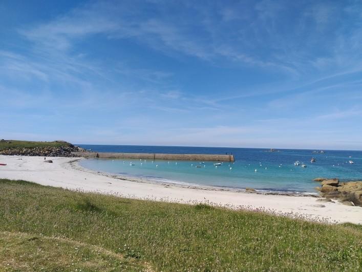 Location de vacances - Villa à Cléder - Plage du port de Kerfissien